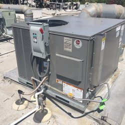 Kaldess AC 23 3.5 ton Pack Unit 3 Phase Gas Electric Condenser on Roof
